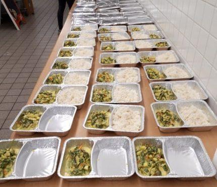 1000 Teller -Hilfe für Bedürftige in München